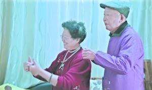 网红奶奶曹雪梅带老年痴呆症老伴直播 称老伴记性好多了