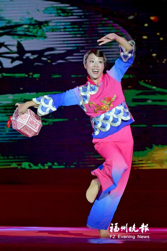 福州新一届金牌喜娘诞生 福州80后喜娘郑增增获得冠军