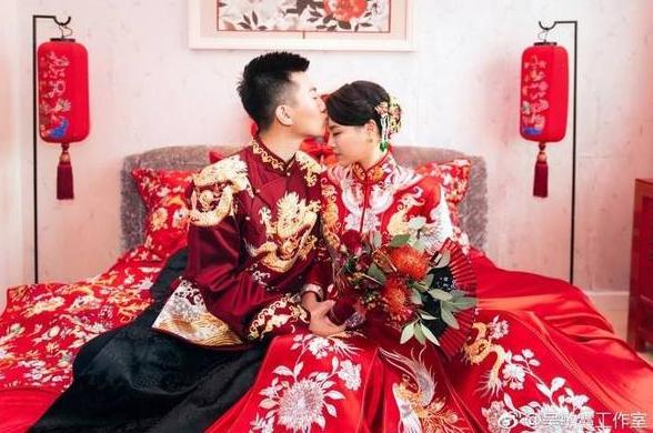 吴敏霞上海婚礼照片曝光 新郎新娘秀甜蜜辣眼 郭晶晶傅园慧低调现身