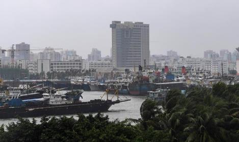 """台风""""卡努""""登陆广东湛江 广东转移近37万人"""