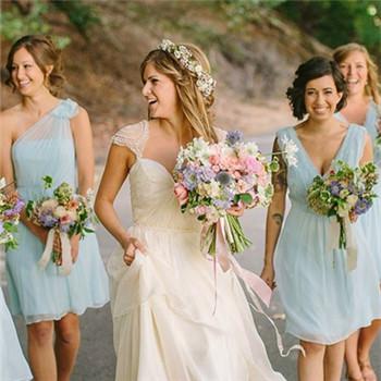 流行的新娘婚纱款式推荐 秋季新娘婚纱介绍