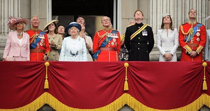 英皇室御厨因工作量大集体辞职?英国宫廷否认!