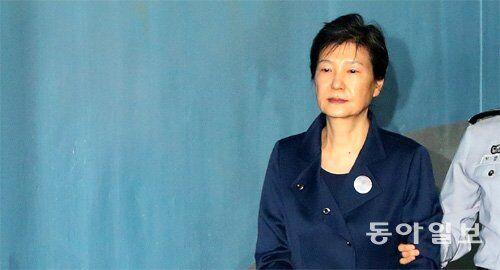 """韩国前总统朴槿惠被指""""抵制审判"""":判个二三十年也不介意"""