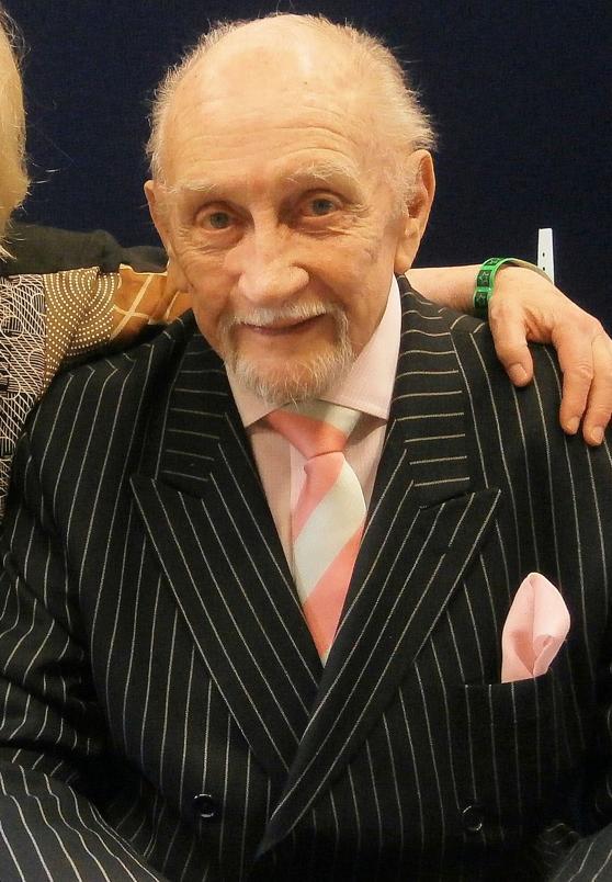 《权利的游戏》哈林伯爵逝世享年94岁 生前为223个角色配音