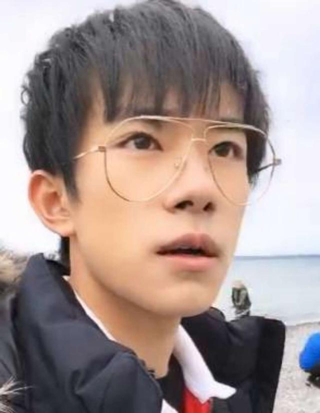 王俊凯王源易烊千玺素颜你打几分 网友 素颜少年感十足
