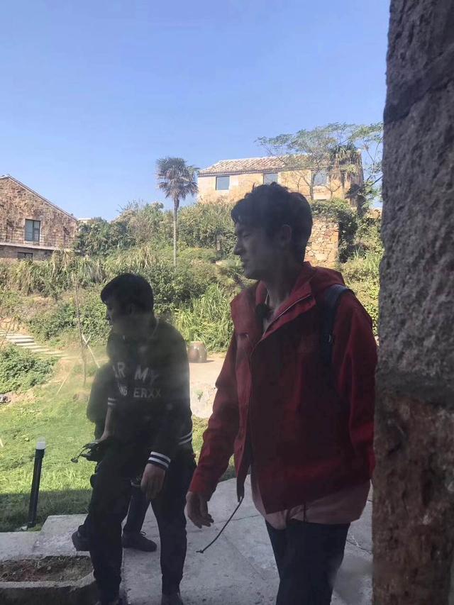 《三个院子》台州录制林更新被偶遇 网友:全世界都在偶遇林更新