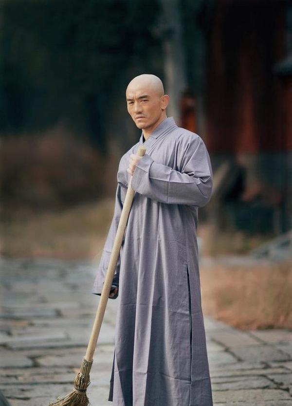 一龙惨被KO,释延觉:早该脱掉黄僧裤,中国武林无人可敌西提猜!