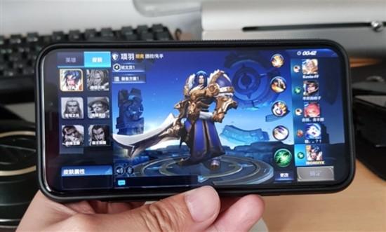 《王者荣耀》iPhone X适配后 画面竟是这样的
