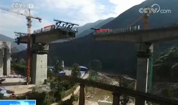 40多米高,连着桥墩转体!这不是科幻电影,这是中国桥!