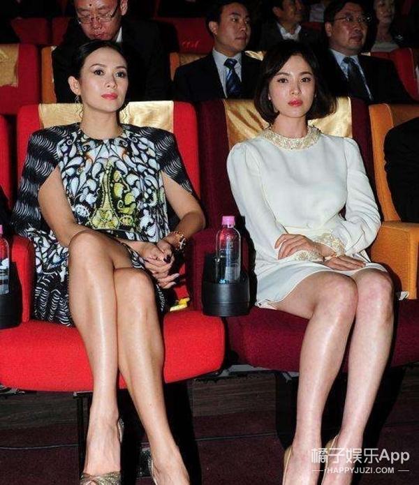 王家卫送宋慧乔金镯子当新婚礼物,没想到双宋在中国有这么多朋友