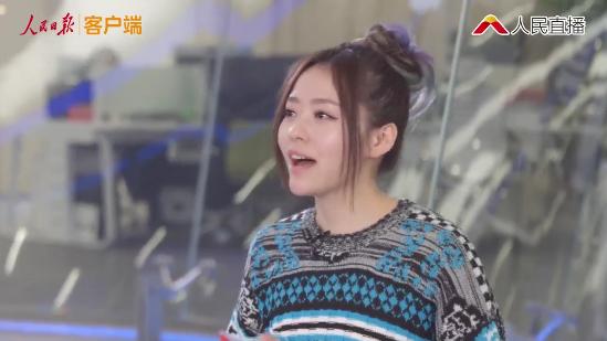 张靓颖回应被素人学员挑战 坦言自己以选秀歌手身份为荣