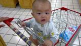 又一孩子在逛超市时丧命
