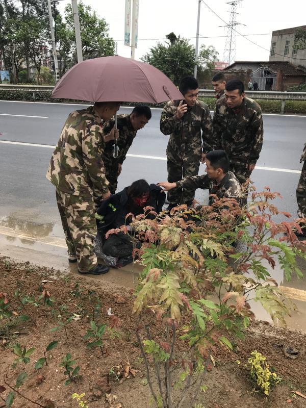 莆田肇事司机撞到母女逃逸 消防训练途中救援