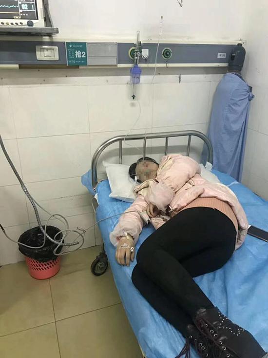 湖南一学生语文仅考3分被教育 家长得知后将老师殴打住院