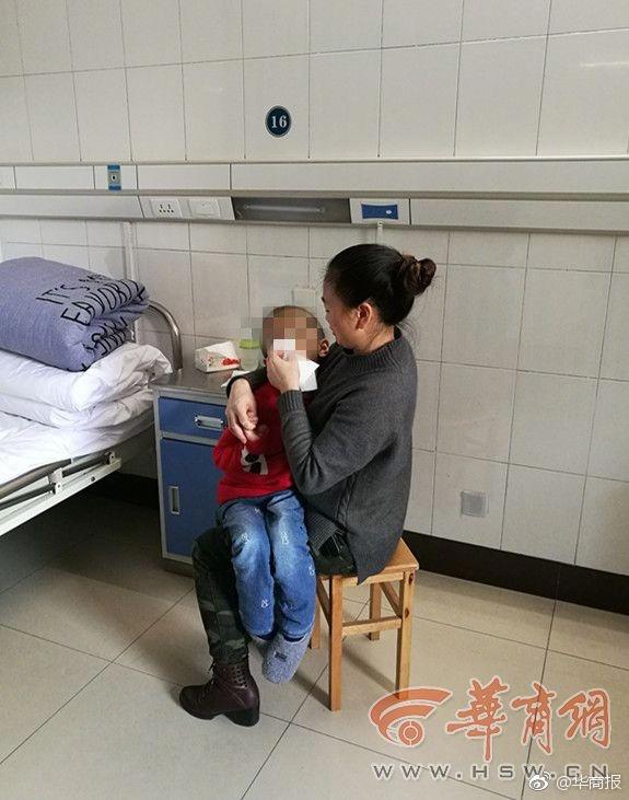 渭南6岁被虐男童回家 外婆母亲均住院无人照顾