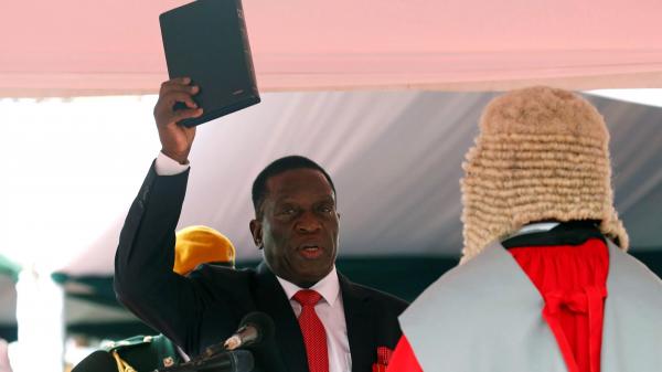 外交部:祝贺津巴布韦新任总统姆南加古瓦就职