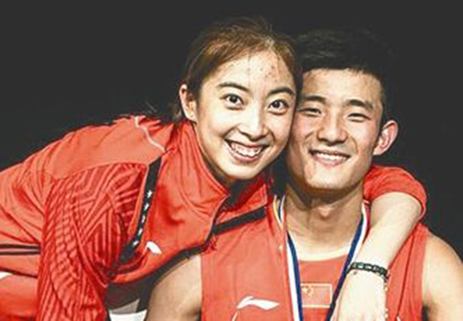 谌龙求婚成功 无缘冠军却赢了她深情告白女友当场飙泪