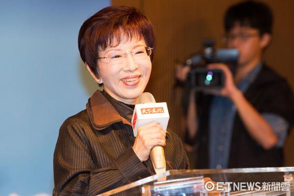 黄国昌怒告诽谤败诉 洪秀柱:还了一个公道