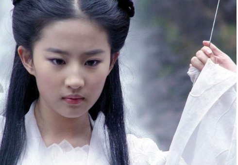 刘亦菲确认出演花木兰电影真人版 明年开拍2019年上映剧情