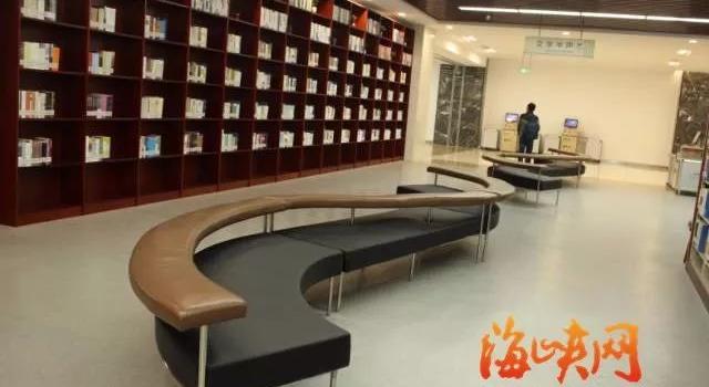 福州最牛图书馆首日体验来了!看电影 玩VR 看最美江景!