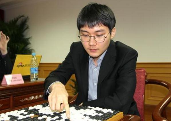 柯洁重返世界第一 以一分之差力压韩国朴廷桓