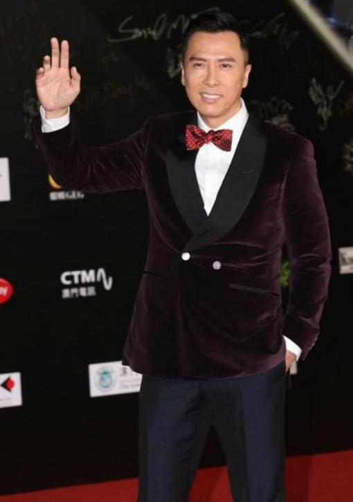 甄子丹获国际影星奖 一脸幸福称儿女给他带来好运