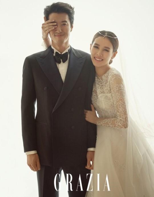 37岁李东健升级当爸爸 妻子赵胤熙产下女儿