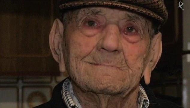 世上最长寿老人113岁 归功于自种蔬菜和红酒