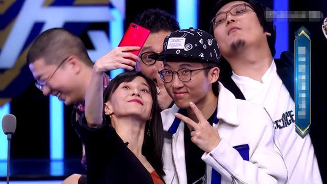 papi酱综艺节目首秀,超4000万人数观看,网友:过气网红?