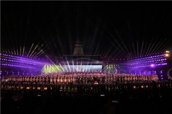 万人齐声合唱侗族大歌 创吉尼斯纪录之最