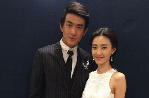 王丽坤林更新相差几岁 虽未直接承认但甜蜜爱恋还是藏不住