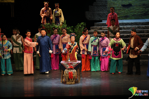 """""""非遗传承人""""邵志庆:我唱花灯戏,我从贵州来"""