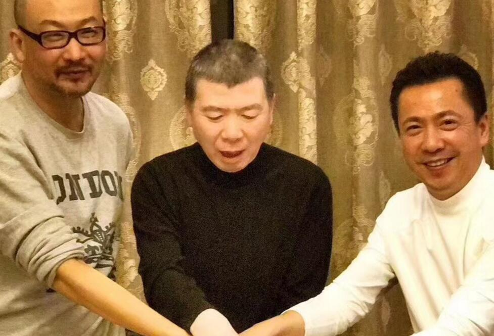 冯小刚《芳华》上映14天票房破10亿 老艺术家庆祝业绩接地气
