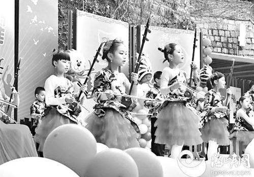 2018,我们来啦!福州中小学创意迎新年