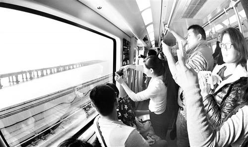 1号线开通厦门迈入地铁时代 24个站点运行约52分钟
