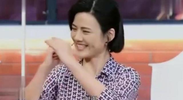 《芳华》女主角原型曝光,冯小刚一见面:你还是那么年轻!