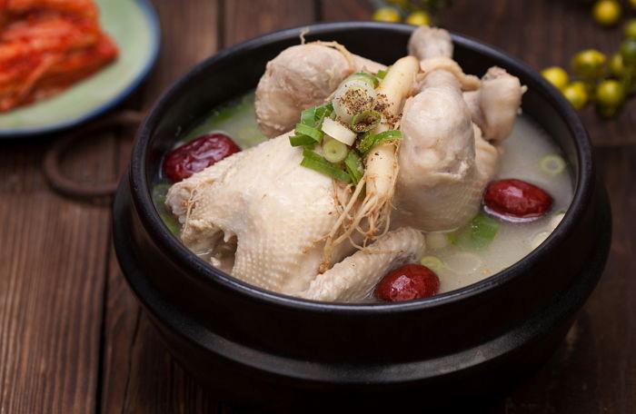 韩国前总统朴槿惠狱中过元旦:被安排看爱情片 午餐吃半只鸡
