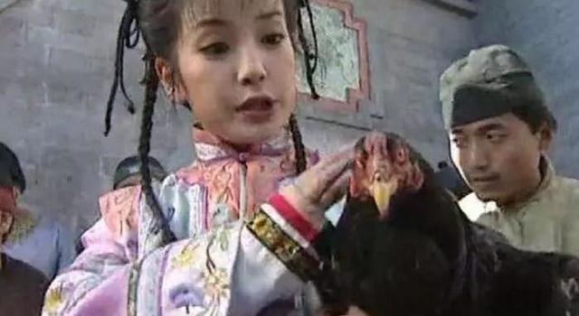 还珠格格经典穿帮镜头:赵薇林心如都穿越了,第6张最搞笑!