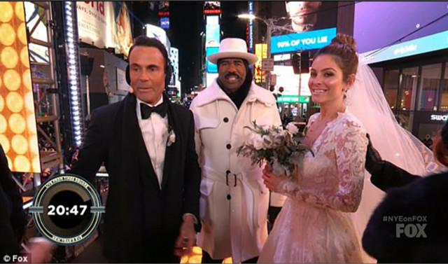 美国女星玛丽娅与男友恋爱长跑20年 新年夜直播在时代广场结婚