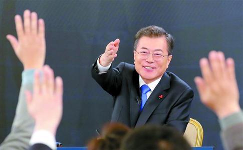 文在寅力推修宪争取6月公投 韩国总统或可连任