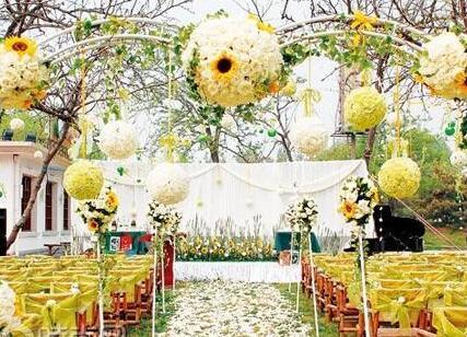 小清新户外婚礼布置步骤 策划小清新的户外婚礼