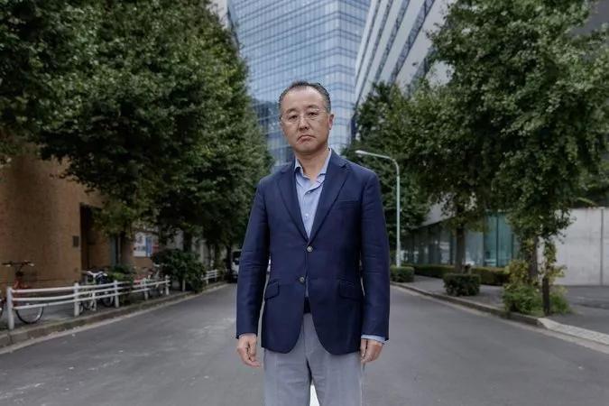 日本美女记者伊藤诗织哭诉遭安倍51岁好友山口敬之迷奸:很绝望