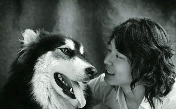 朴有天爱犬伤人被索赔700万 受害者过了7年突然起诉