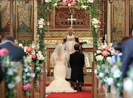 在教堂举行婚礼多少钱 教堂婚礼的筹备事项