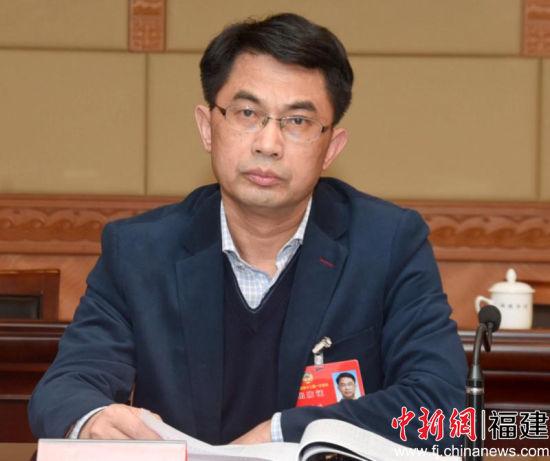 省政协委员骆少鸣:建立长期护理保险制度是政府职能应有体现