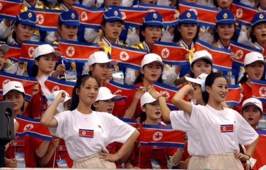 助力冬奥!时隔13年 朝鲜美女拉拉队再次赴韩