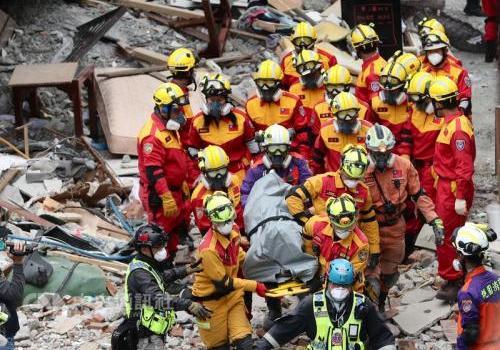 台湾花莲地震致15死280伤 失联大陆游客3人确认遇难