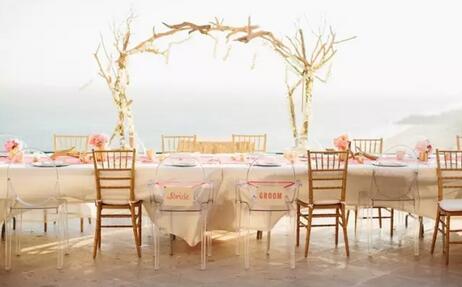 户外婚宴的设计灵感 浪漫的海边婚礼设计