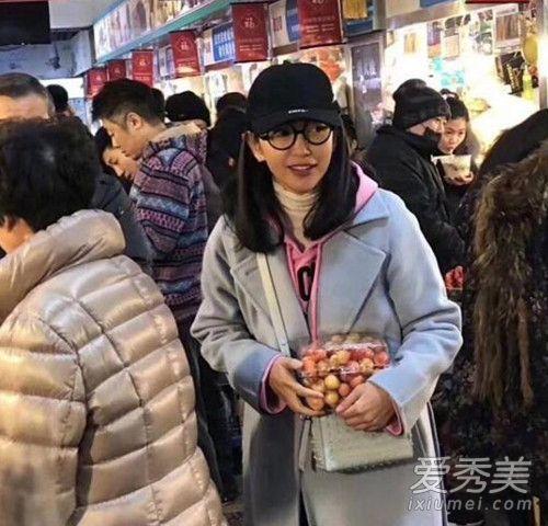 李冰冰素颜买菜被偶遇 网友:素颜也那么漂亮