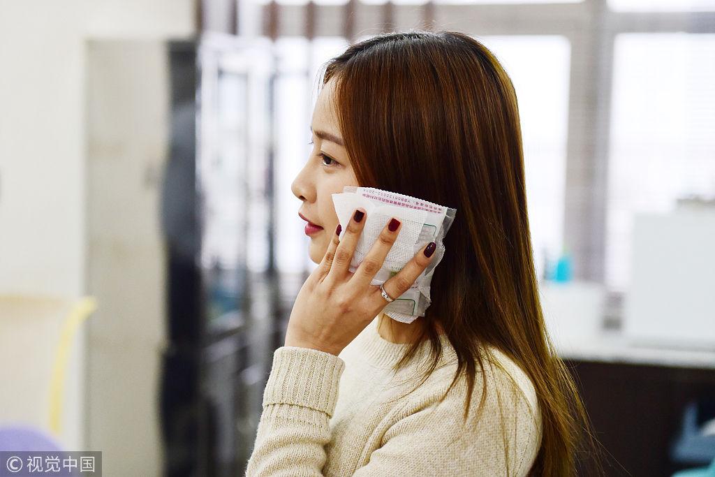 泰国美女留学一年爱上中国 在中国做整形学直播
